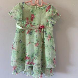 5/$30 Adorable / Green / Floral / Summer / Dress